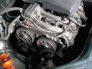 Демонтаж моторного ремня